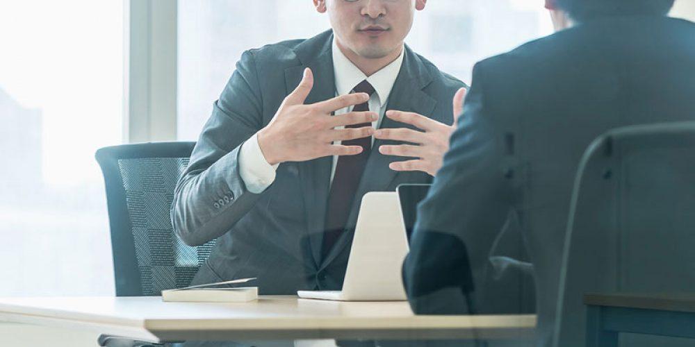 Les agents administratifs en intérim : les caractéristiques et avantages !